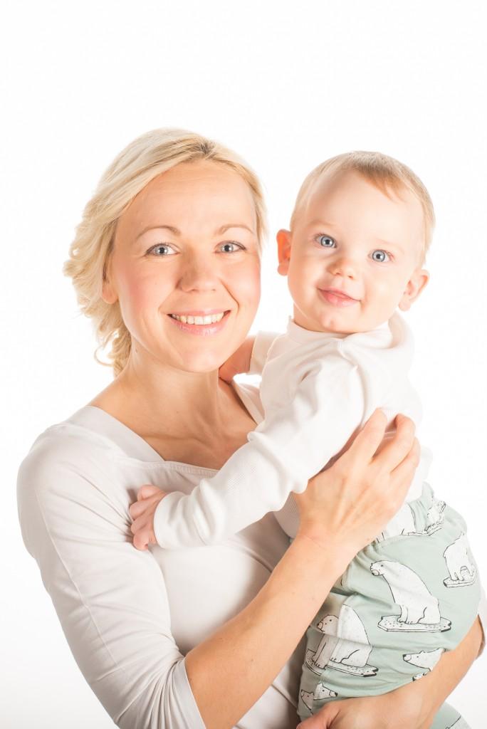 ema ja laps - high key (1 of 1)-2